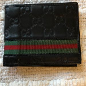 💯 authentic Gucci Wallet